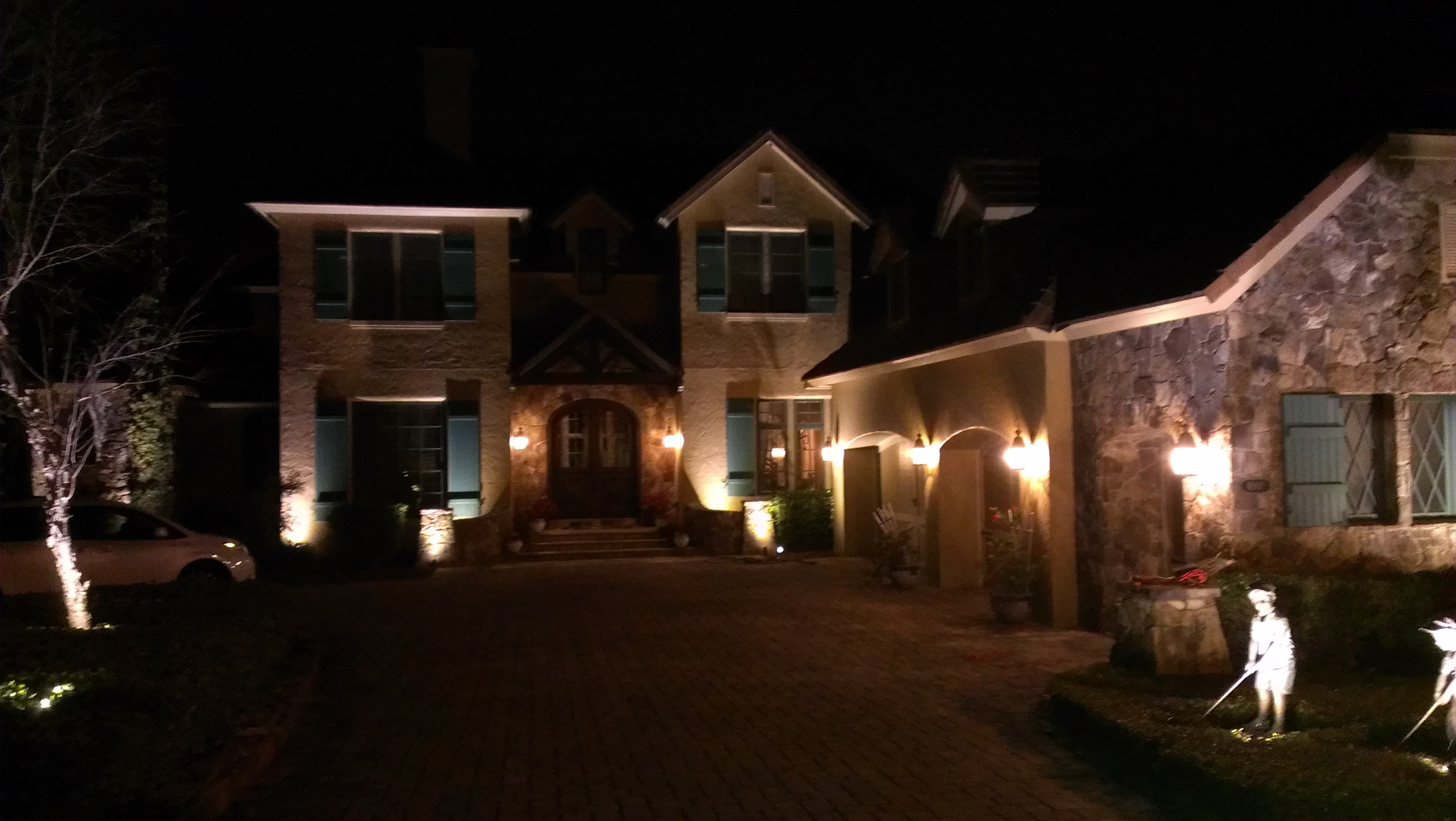 5 Signs You Should Invest In Outdoor Lighting For Homes